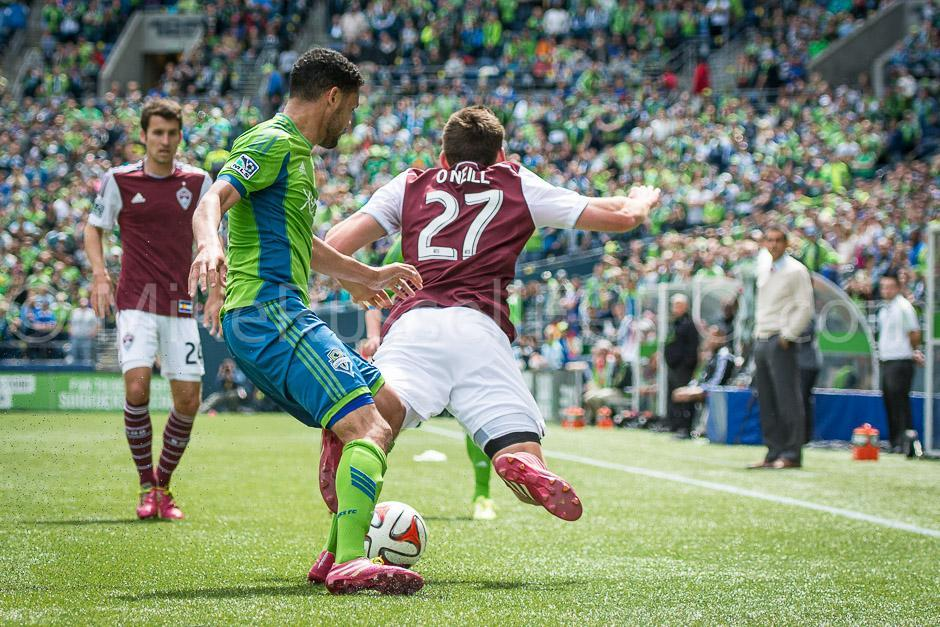 Sounders dominate Rapids, 4-1