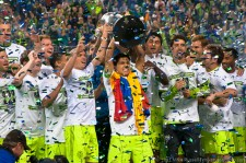 2011 US Open Cup Final: Fredy Montero Raises the Cup