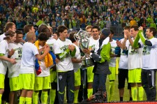2011 US Open Cup Final: Steve Zakuani Raises the Cup