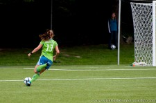 Seattle Sounders Women: Alex Morgan just before an assist to Patterson