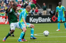 Sounders v Timbers: Alonso holds off Nagbe