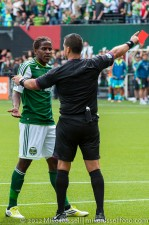 Sounders v Timbers: Palmer gets ejected for throwing the elbow