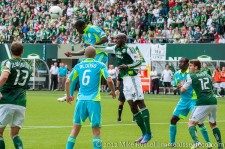 Sounders v Timbers: Eddie Johnson missed this header