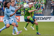 Seattle Sounders: Alex caskey flicks it over defenders