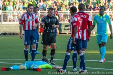 USOC Sounders-Chivas: Referee Chris Penso awards the penalty