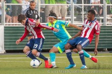 USOC Sounders-Chivas: Fredy Montero squeezed off the ball by Villafana and Minda