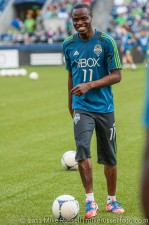 Sounders - Rapids: Steve Zakuani warming up