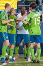 Sounders - Rapids: Eddie Johnson celebrates his goal with his teammates