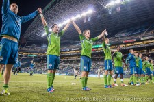 Sounders - Rapids: The team thank the fans after the long winless streak ends