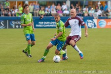 Sounders - Rapids: Osvaldo Alonso and Conor Casey