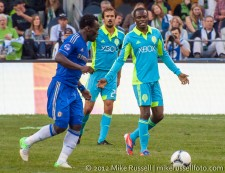 Sounders-Chelsea: Michael Essien, Steve Zakuani, and Roger