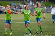 Sounders Women: Sophie Reiser, Stephanie Cox, Kate Deines thank the fans