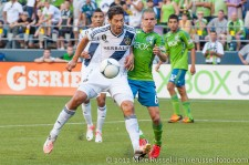 Sounders-LA Galaxy: Ozzie Alonso and Omar Gonzalez