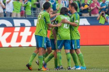 Sounders-LA Galaxy: Ozzie, Leo, Mauro, and Pat congratulate Caskey