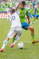Sounders-LA Galaxy: Hector Jimenez and Leo Gonzalez