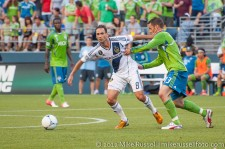 Sounders-LA Galaxy: Christian Tiffert and Marcelo Sarvas