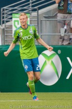 Sounders-LA Galaxy: Andy Rose celebrates his first MLS goal