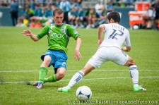 Sounders-Vancouver: Alex Caskey shoots