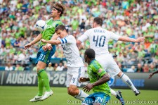 Sounders-Vancouver: Jeff Parke chests an assist to Fredy Montero