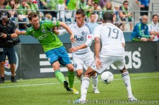 Sounders-Vancouver: Brad Evans sends an assist to Eddie Johnson
