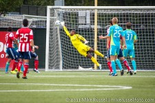 Sounders-Chivas Reserves: Josh Ford almost makes the save