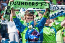 Sounders-Chivas: Furry Fan