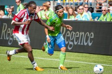 Sounders-Chivas: Fredy Montero battles Shalrie Joseph just before assisting EJ
