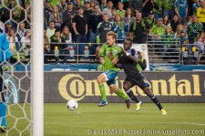 Sounders-Earthquakes: Adam Johansson and Simon Dawkins