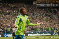 Sounders-Earthquakes: Steve Zakuani celebrates his goal