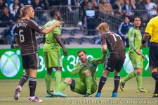 Sounders-Whitecaps: Barry Robson helps up Christian Tiffert