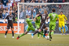 Sounders-Whitecaps: Alonso tackles Robson