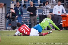 Sounders-Timbers: Diego Chara and Ozzie Alonso