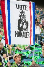 Sounders-Timbers: Gorilla FC supports retaining Hanauer as GM