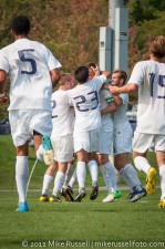 UW - Seattle U: UW celebrate Dylan Tucker-Gangnes' goal
