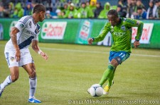 MLS Playoffs - Sounders v LA: Steve Zakuani takes on Sean Franklin