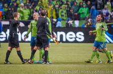MLS Playoffs - Sounders v LA: Ozzie Alonso has some words with referee Mark Geiger