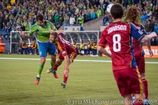 MLS Playoffs Sounders-RSL: Sammy Ochoa puts a header on goal