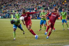 MLS Playoffs Sounders-RSL: Jhon Kennedy Hurtado also puts a header on goal