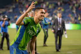 Sounders beat Chivas